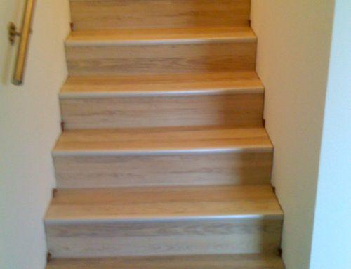 Treppe mit Lamiatboden